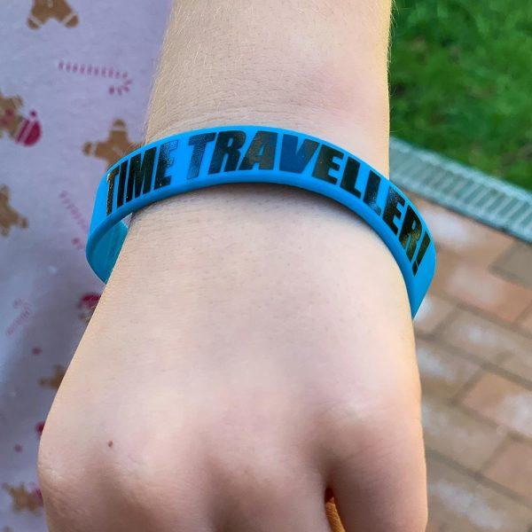 plastic-wristband-blue