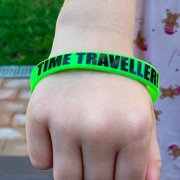 plastic-wristband-green-2