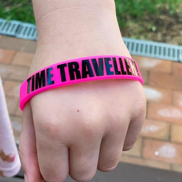 plastic-wristband-pink